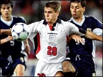 Майкл Оуэн против сборной Аргентины