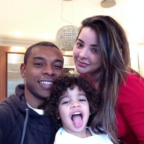 Фернандиньо с семьей