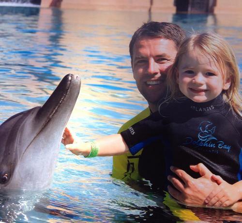 Майкл Оуэн с дочкой