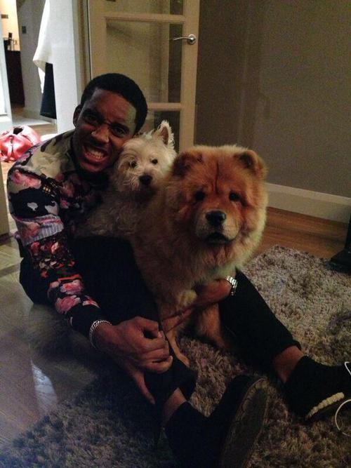 Лерой Фер с собаками