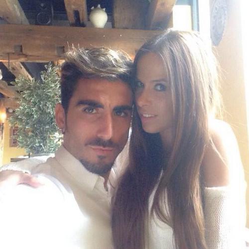 Чико Флорес с девушкой