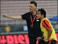 Рафаэль вернулся в Манчестер с травмой