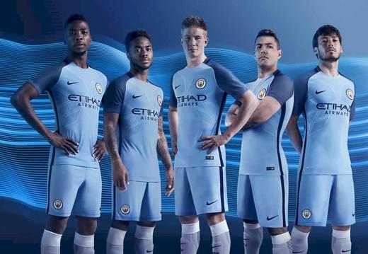 Новая домашняя форма Манчестер Сити