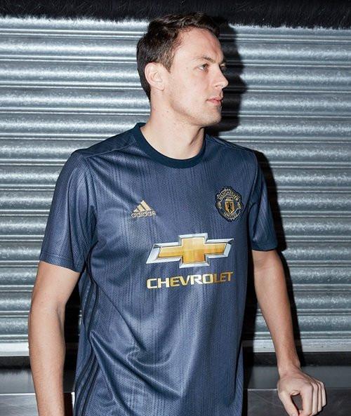 Третья форма Манчестер Юнайтед на сезон 2018/19