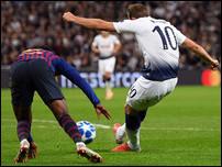 Харри Кейн против Барселоны