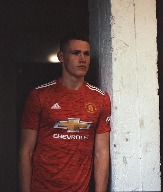 Новая домашняя форма Манчестер Юнайтед